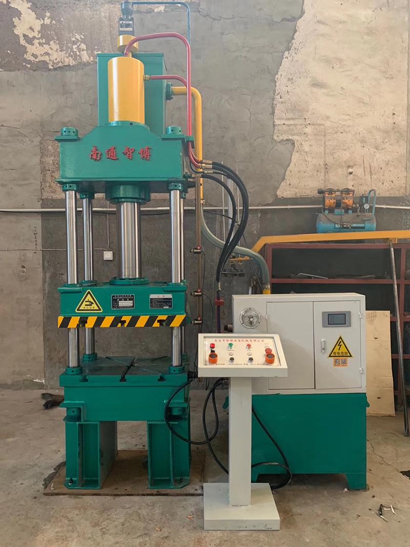 四柱液压机机械种类